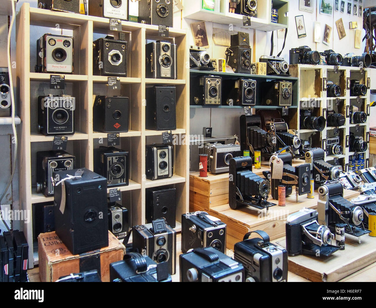 Collection of ancient cameras - Stock Image