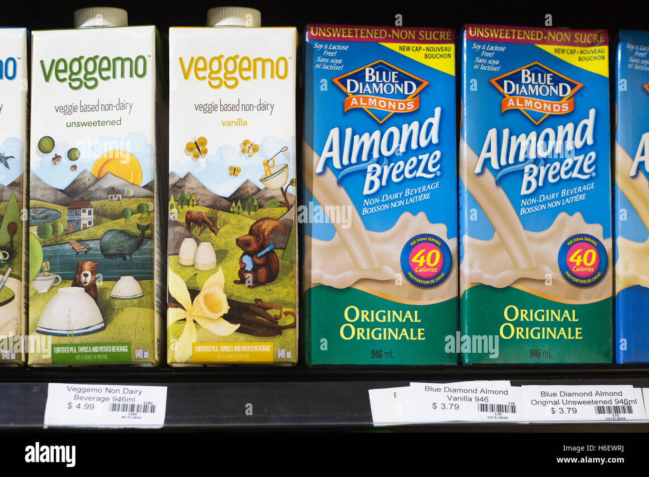 Packaged Milk Stock Photos Images Alamy Diamond Choco Fresh 946 Ml Packages Of Almond And Veggemo Beverages Showing Price In Dollars Image