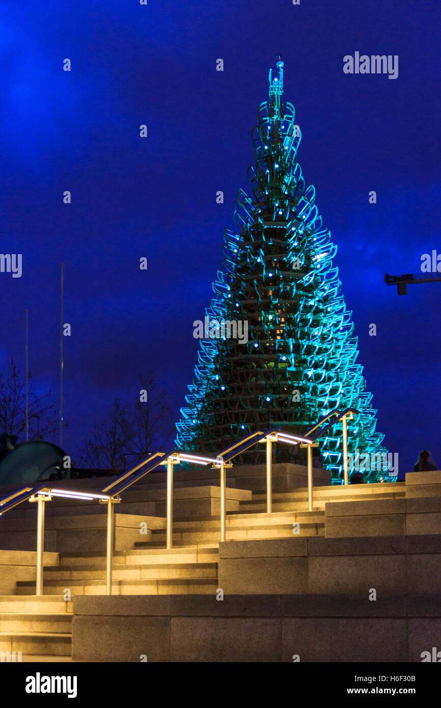 U0027Let It Snowu0027 Christmas Tree By Creatmosphere And Hello Wood, Granary  Square, Kingu0027s Cross, London, December 2015. U0027
