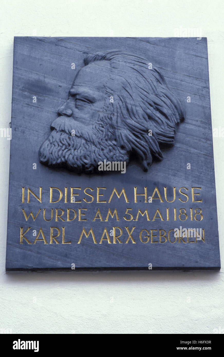 Germany, Trier, commemorative plaque at the house where Karl Marx was born, Brueckenstreet. - Stock Image