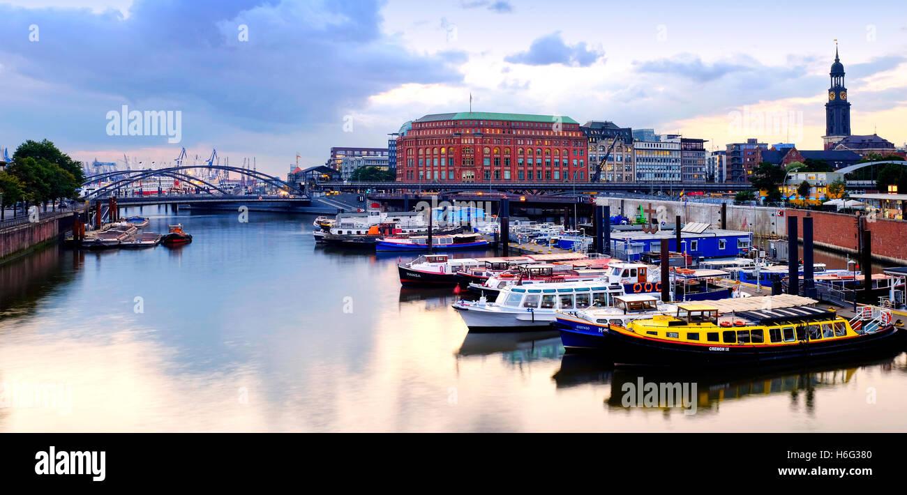 Inland port in the old city of Hamburg, Hamburg, Germany - Stock Image