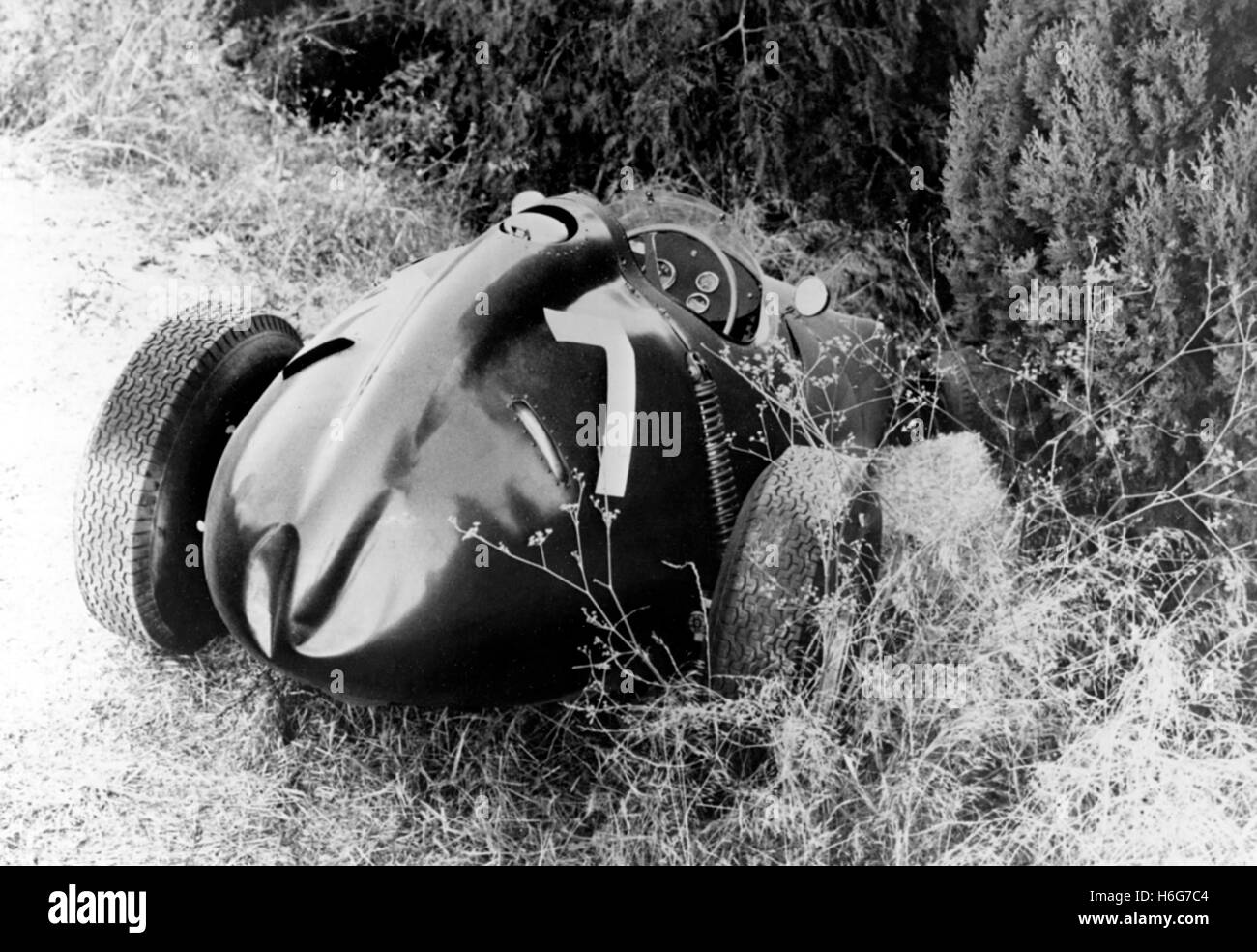 PORTUGUESE GP CRASHED BRM TYPE 25 1959 - Stock Image