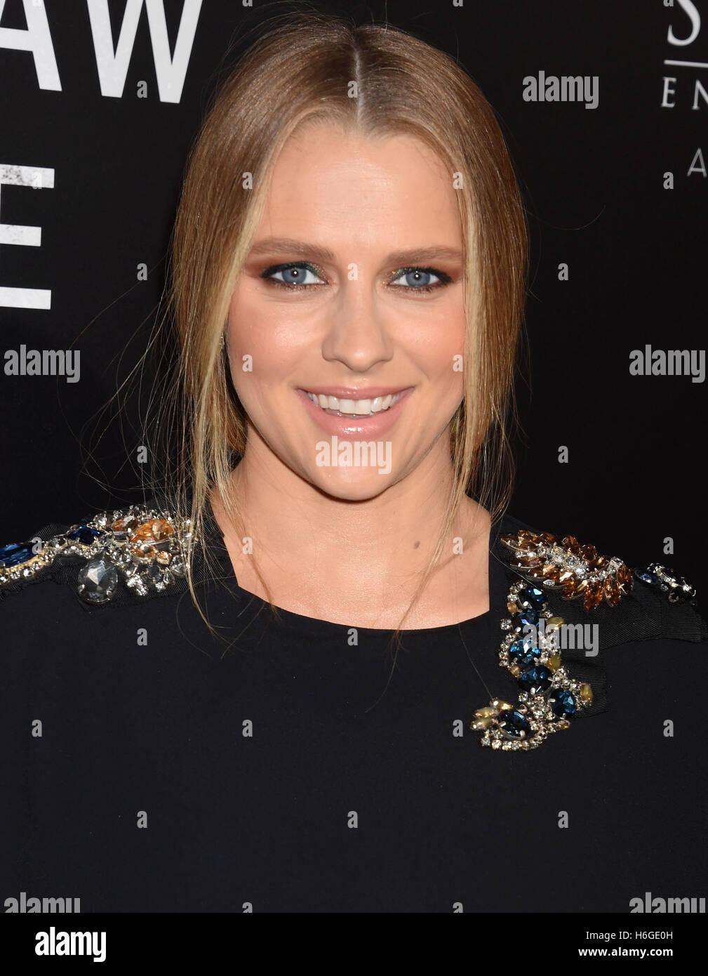 TERESA PALMER Australian film actress in october 2016  Photo
