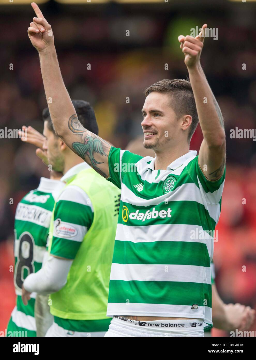 Celtic's Nir Bitton celebrates his sides victory during the Ladbrokes Scottish Premiership match at the Pittodrie - Stock Image