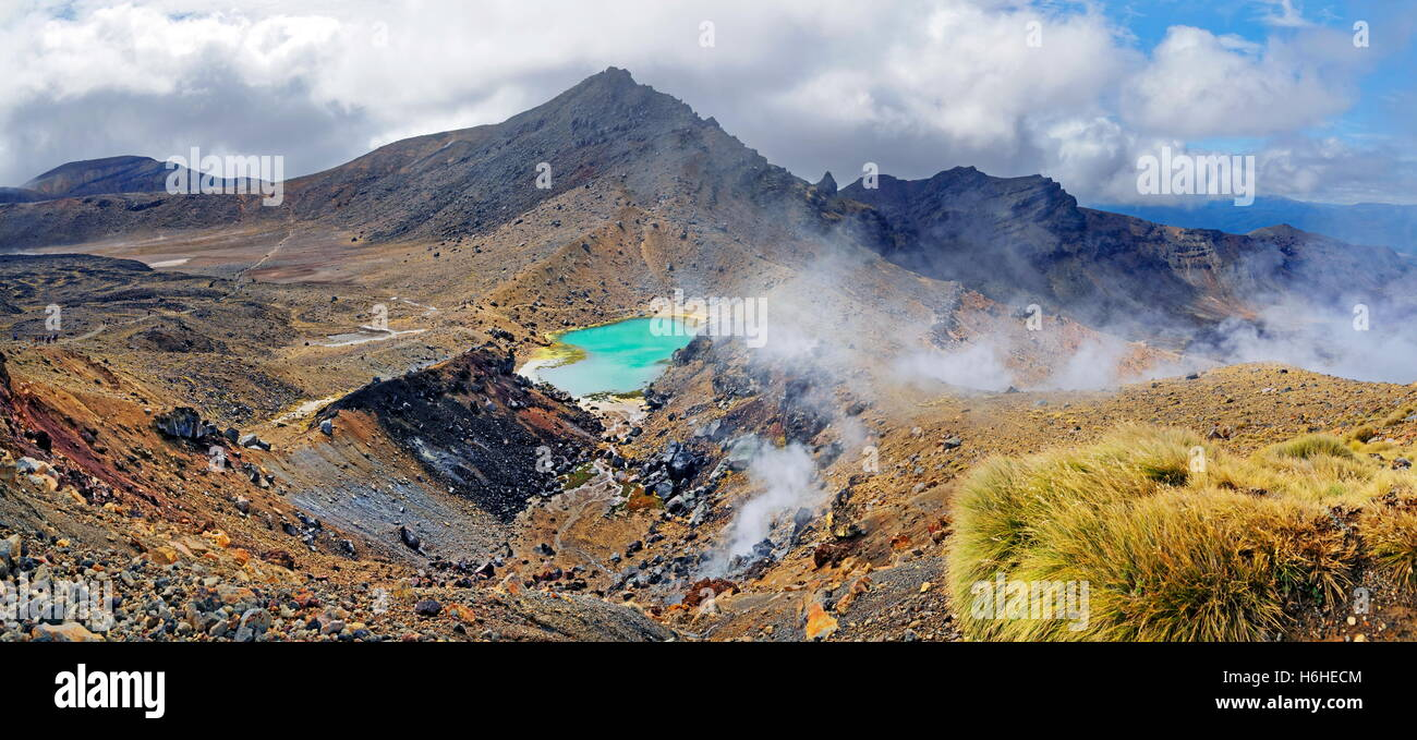 Volcanically active smoky landscape with green Emerald Lakes, Tongariro National Park, Manawatu-Wanganui, North - Stock Image