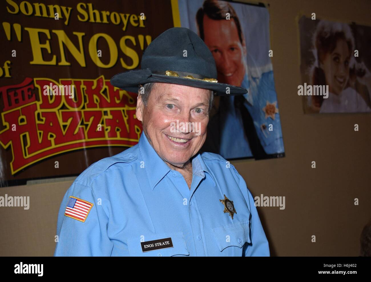 Sonny Shroyer High Resolution Stock Photography And Images Alamy Find the latest tracks, albums, and images from sonny shroyer. https www alamy com stock photo parsippany nj usa 28th oct 2016 sonny shroyer in attendance for chiller 124558786 html