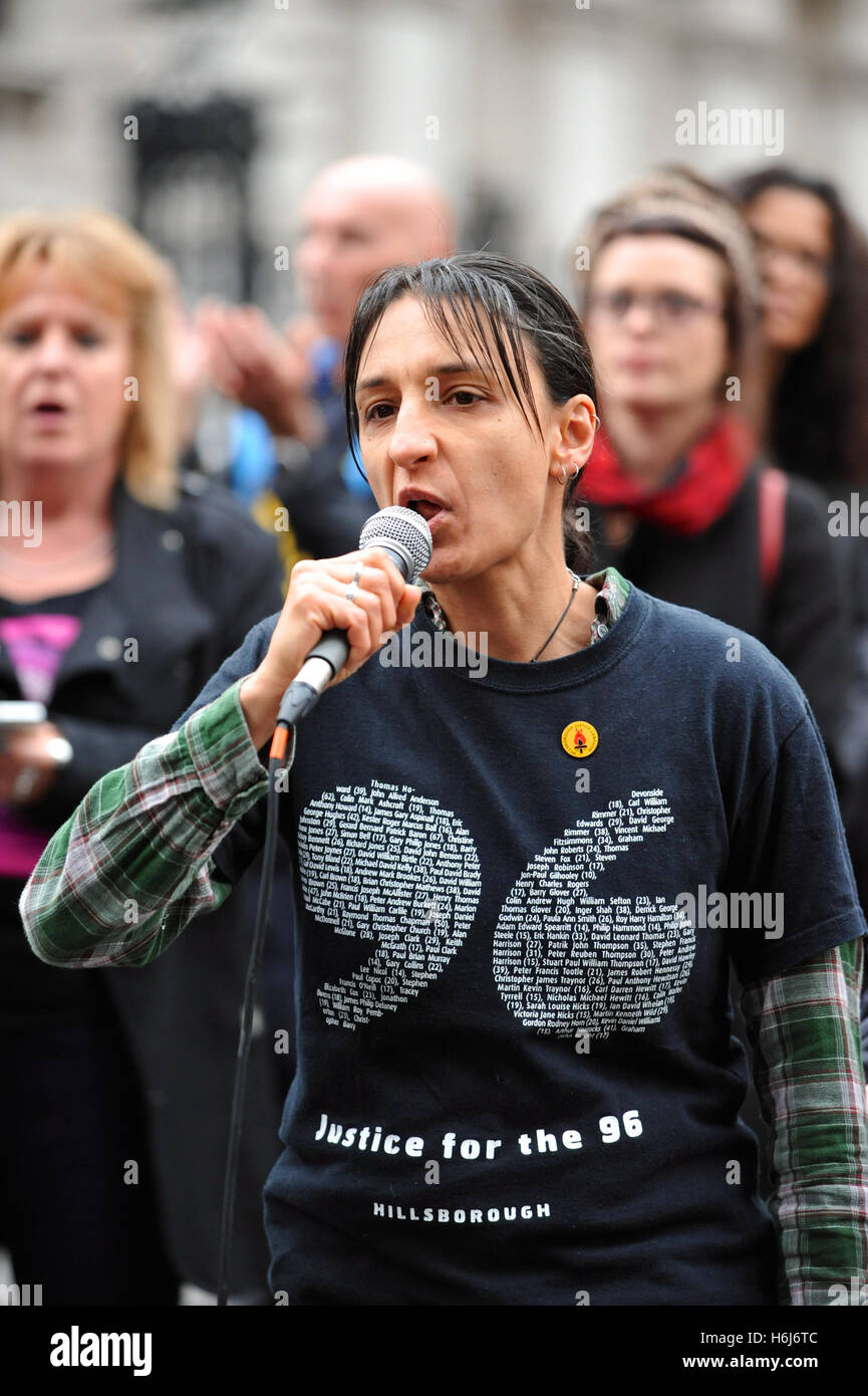 London, UK. 29th October, 2016. Becky Shah (Hillsborough Justice Campaign) addressing the United Friends and Family - Stock Image