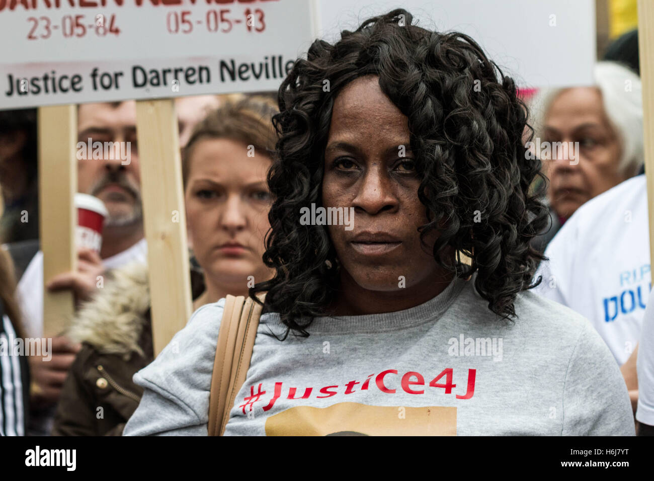 London, UK. 29th Oct, 2016. Annual remembrance procession protest march by United Friends and Family (UFFC) against - Stock Image