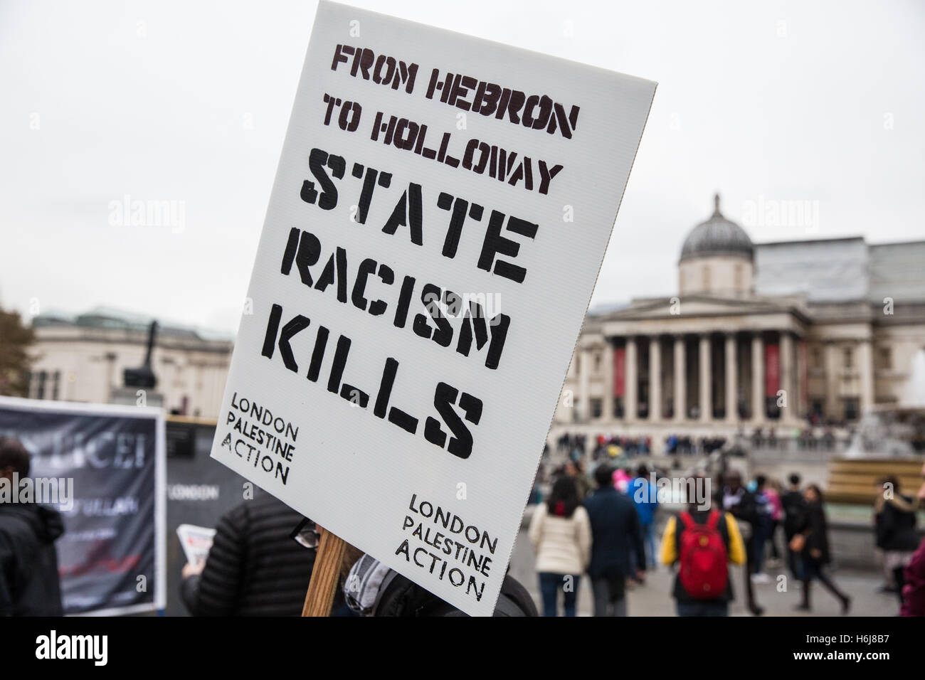 London, UK. 29th October, 2016. A London Palestine Action placard before the United Families and Friends Campaign - Stock Image