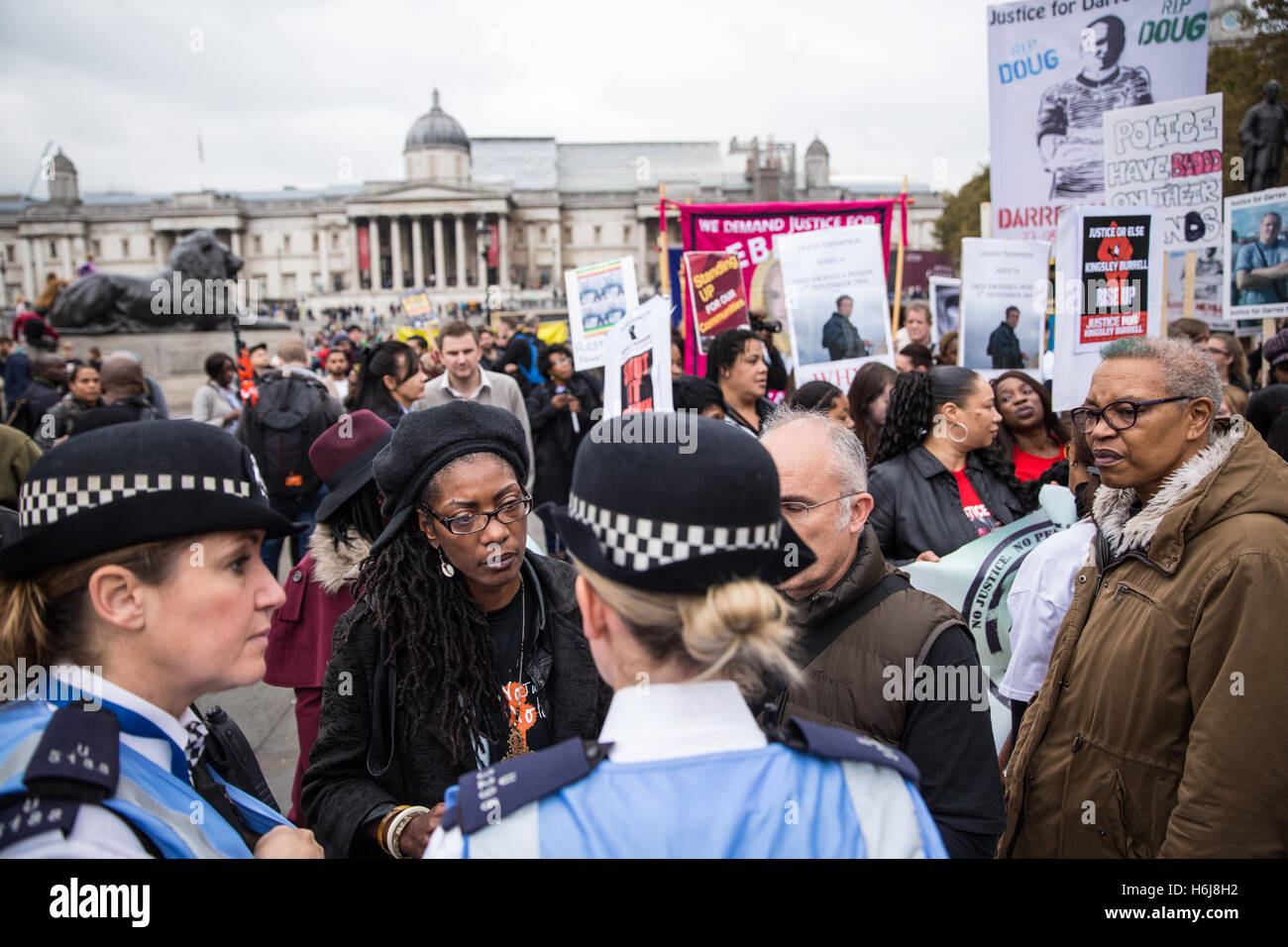 London, UK. 29th October, 2016. Marcia Rigg and Ken Fero speak to police officers before the United Families and - Stock Image