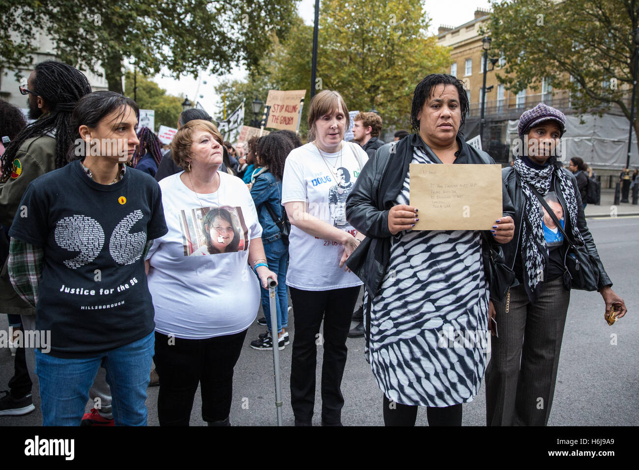 London, UK. 29th October, 2016. Family members from the United Families and Friends Campaign (UFFC) prepare to present - Stock Image