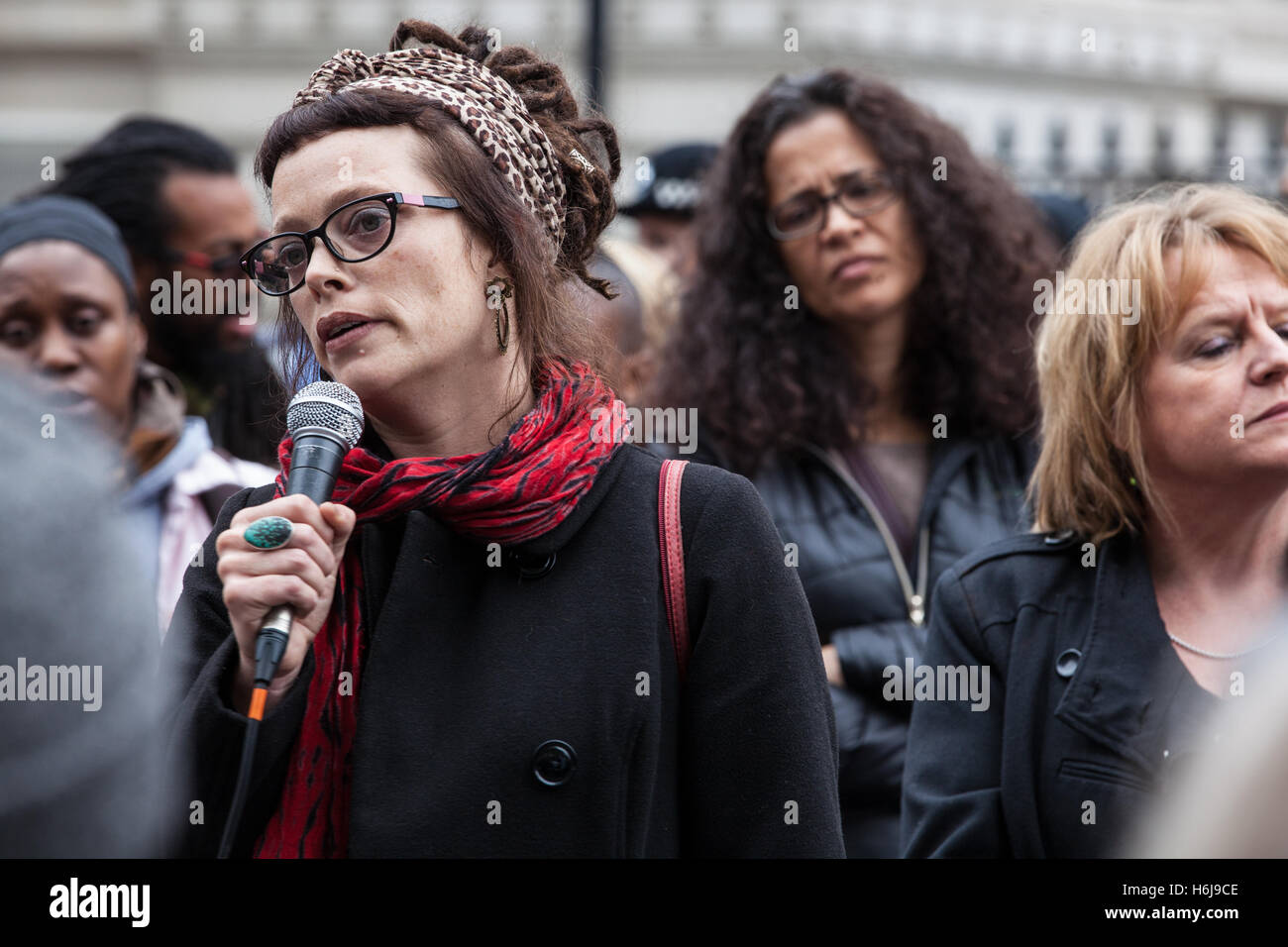 London, UK. 29th October, 2016. Jo Orchard, brother of Thomas Orchard, addresses the United Families and Friends - Stock Image