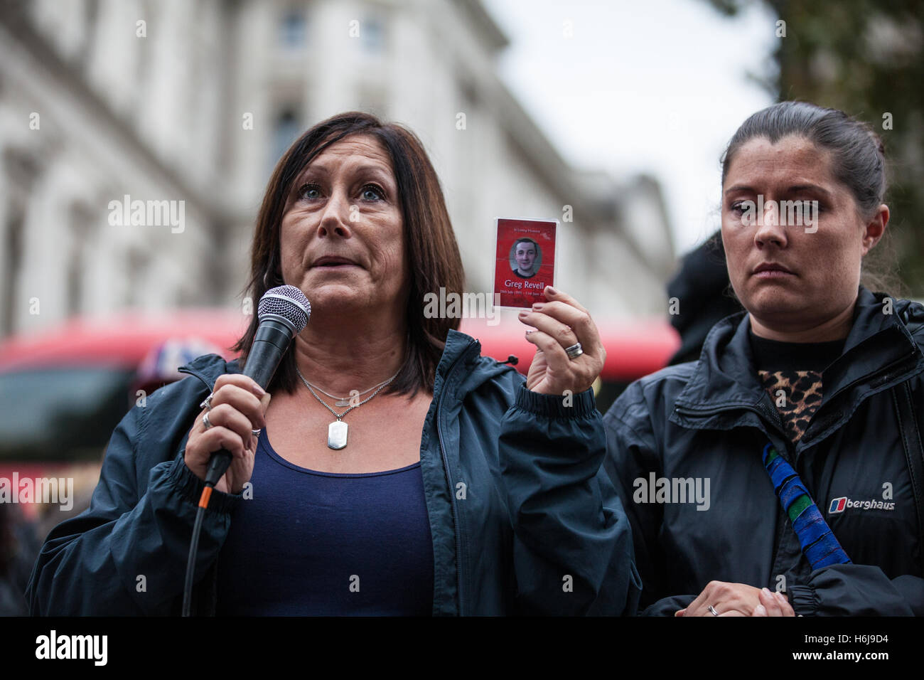 London, UK. 29th October, 2016. Karin Revell, mother of Greg Revell, addresses campaigners from the United Families - Stock Image