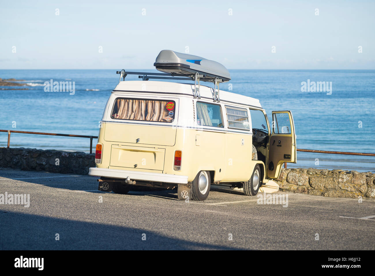 volkswagen bus stock photos volkswagen bus stock images. Black Bedroom Furniture Sets. Home Design Ideas