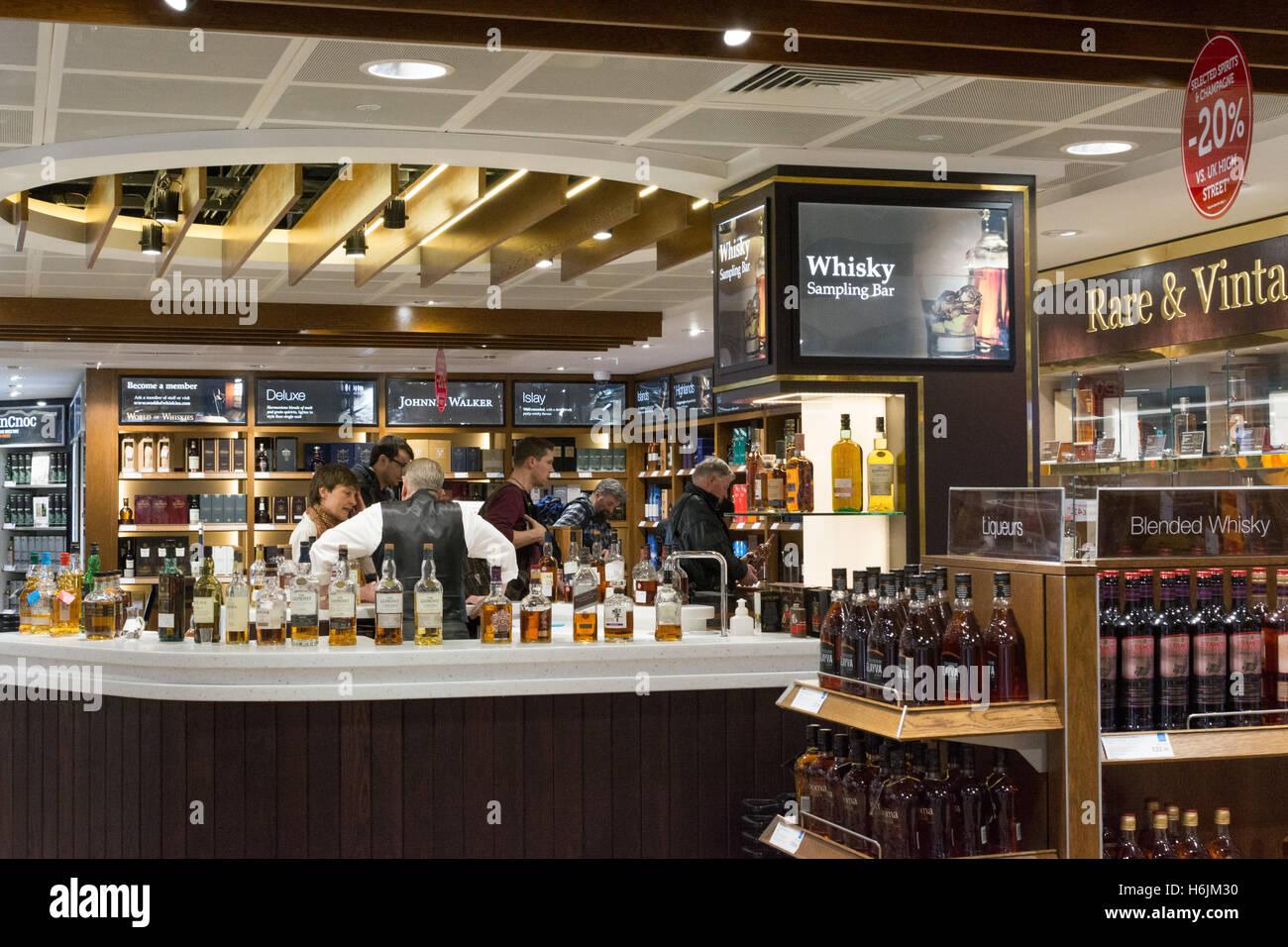 Edinburgh Airport duty free whisky sampling bar at world duty free, Edinburgh, Scotland, UK - Stock Image