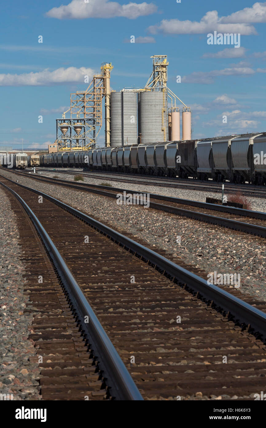 Sanders, Arizona - Bulk cargo loading facility on the Burlington Northern Santa Fe railroad. - Stock Image