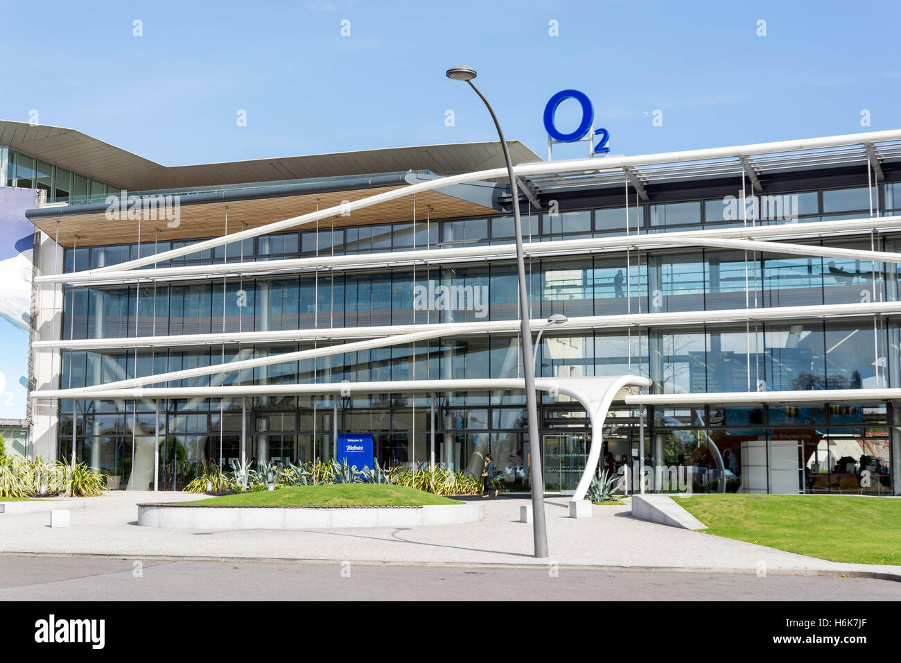 Telefónica UK Limited (O2), Slough Trading Estate, Bath Road, Slough, Berkshire, England, United Kingdom - Stock Image