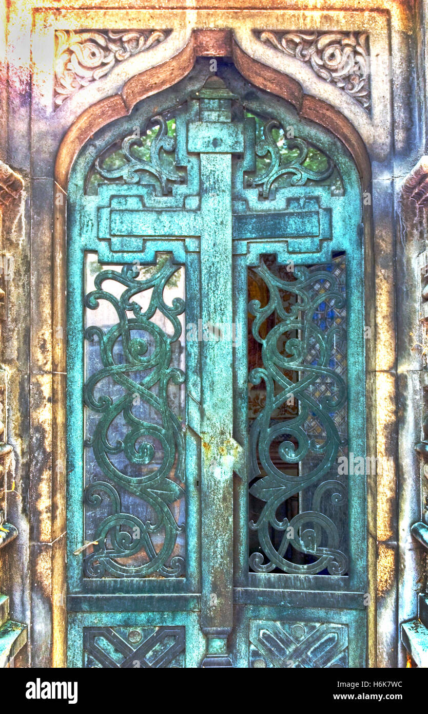 Tomb door at Montparnasse cemetery - Stock Image : tomb door - Pezcame.Com