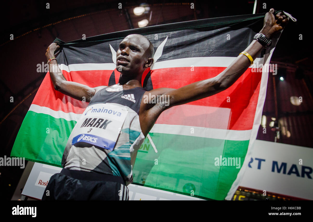 Mark Korir from Kenia wining the Frankfurt Marathon 2016 at the Festhalle in Frankfurt/Main, Germany, 30 October - Stock Image