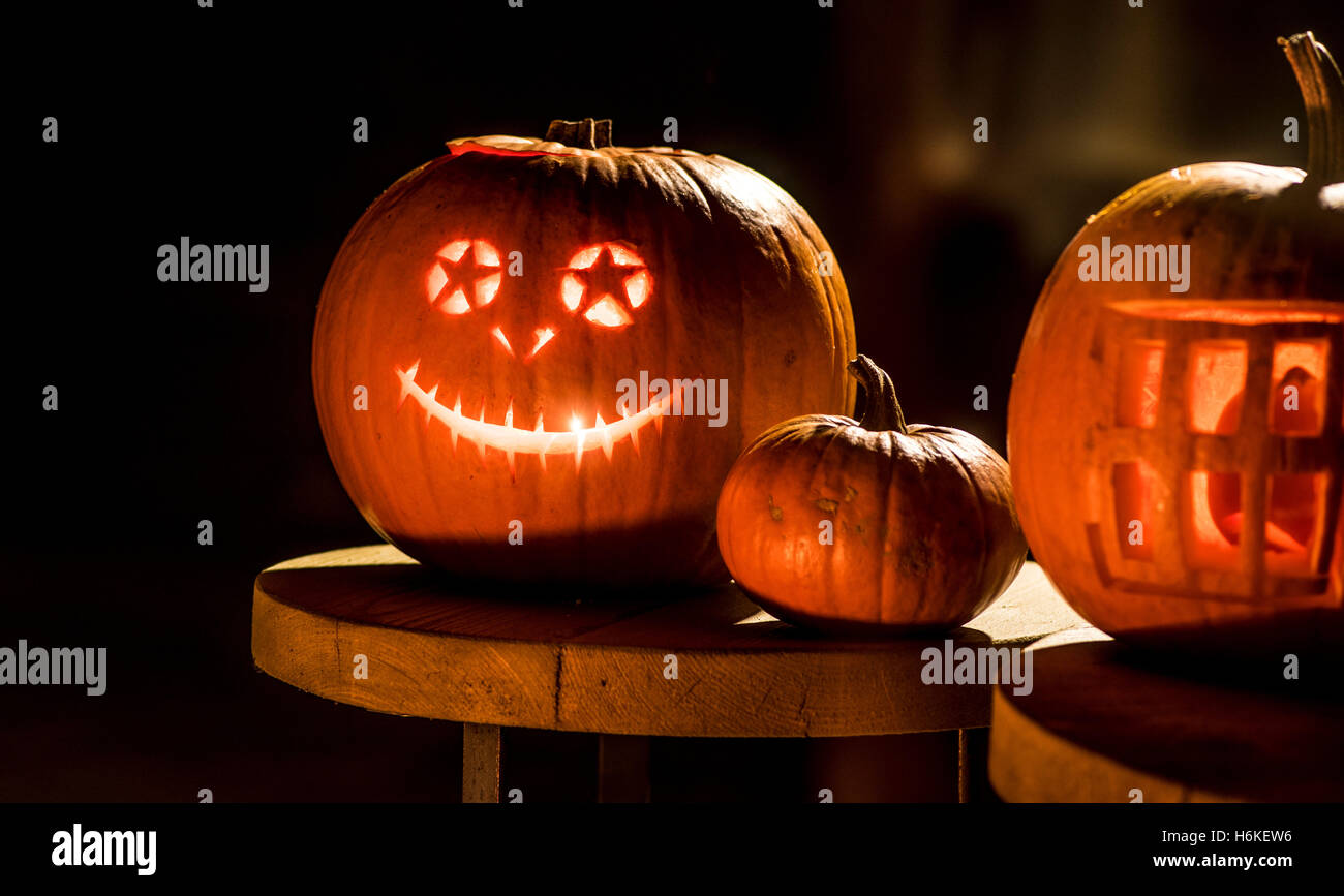 York, UK. 30th October, 2016. No more carved turnips in the UK as halloween pumpkin carving evolves into an art - Stock Image