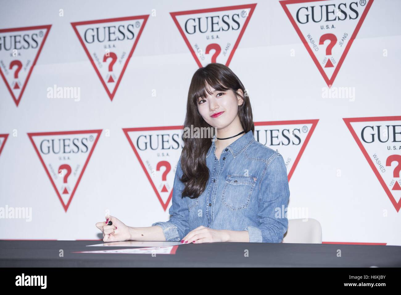 251835957b 29th Oct, 2016. miss A Suzy Bae attends GUESS jeans promotion conference in  Seoul, Korea on 29th October, 2016.(China and Korea Rights Out) ©  TopPhoto/Alamy ...