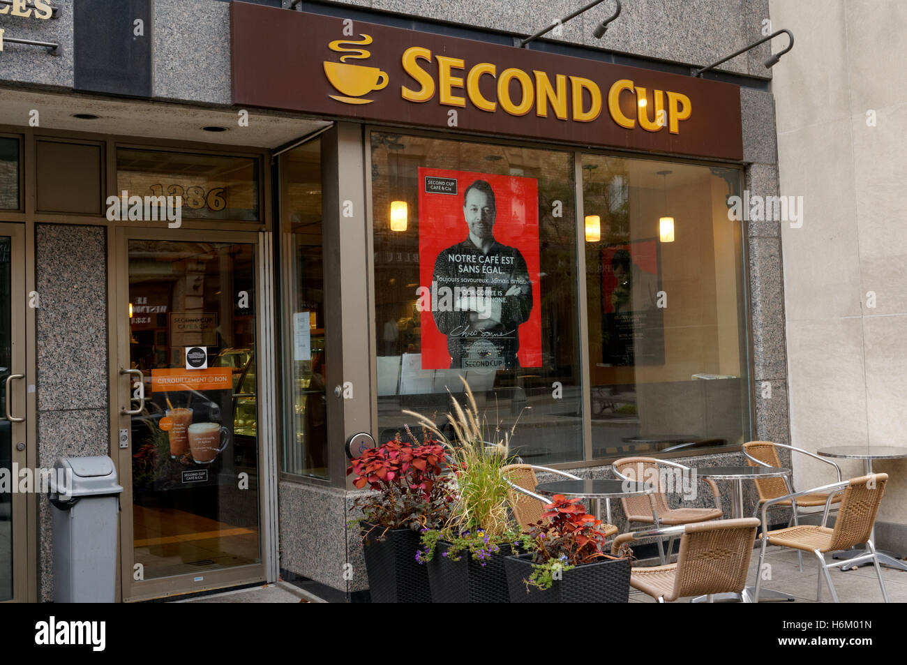 Second Cup coffee house on Greene Avenue in Westmount, Montreal, Quebec, Canada - Stock Image