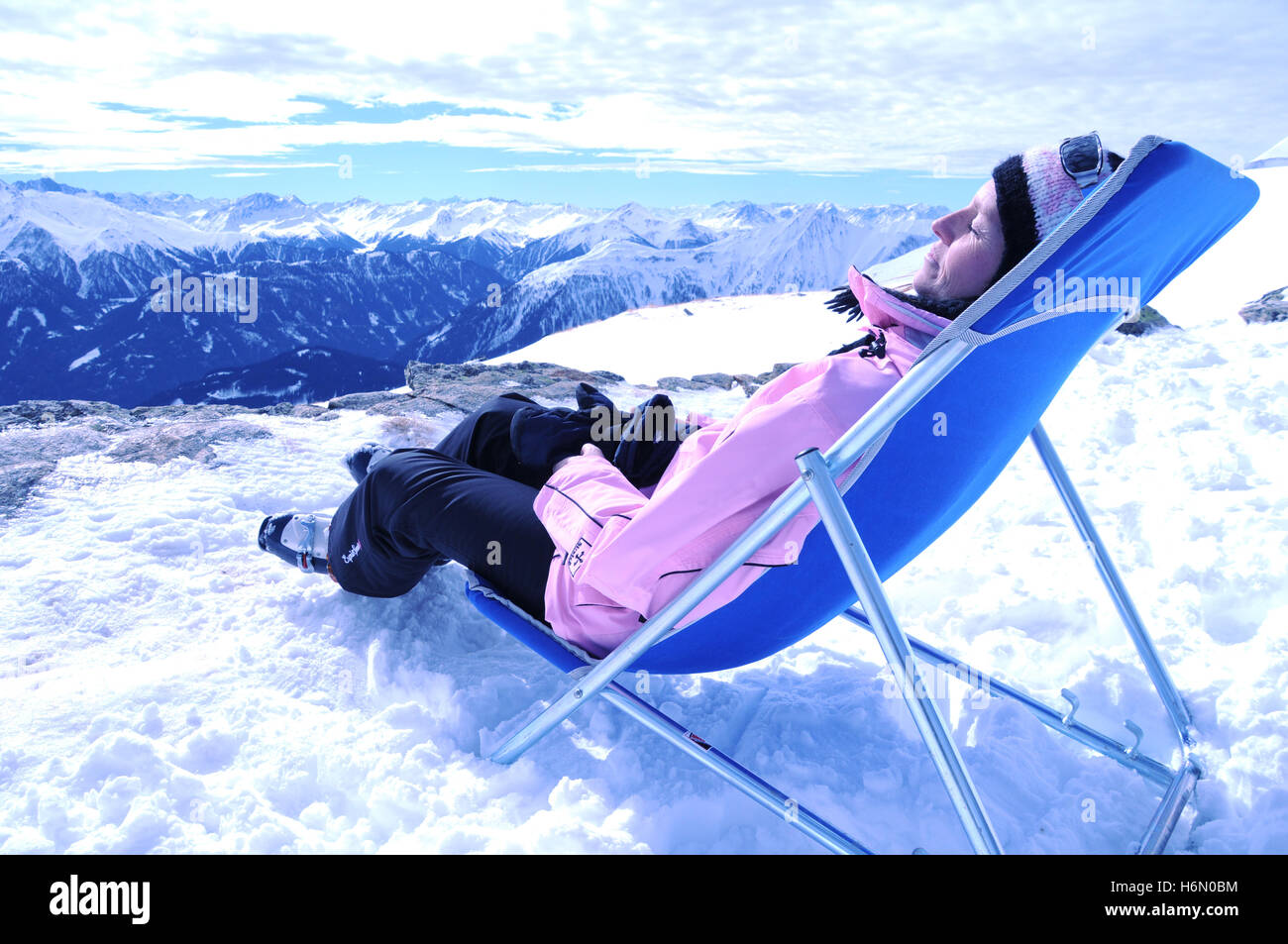 pause in the snow 2 - Stock Image