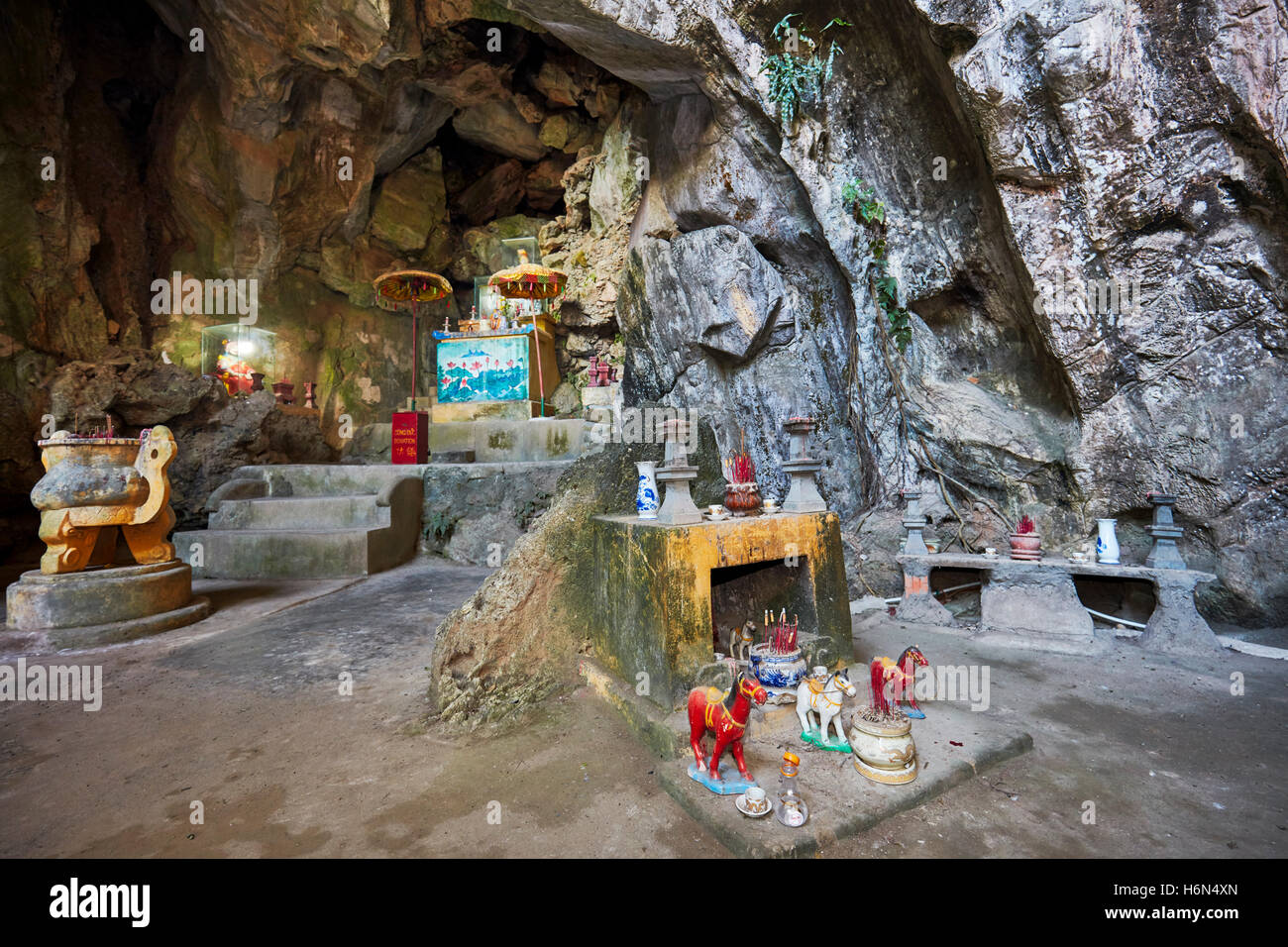 Linh Nham Cave. Thuy Son Mountain, The Marble Mountains, Da Nang, Vietnam. - Stock Image