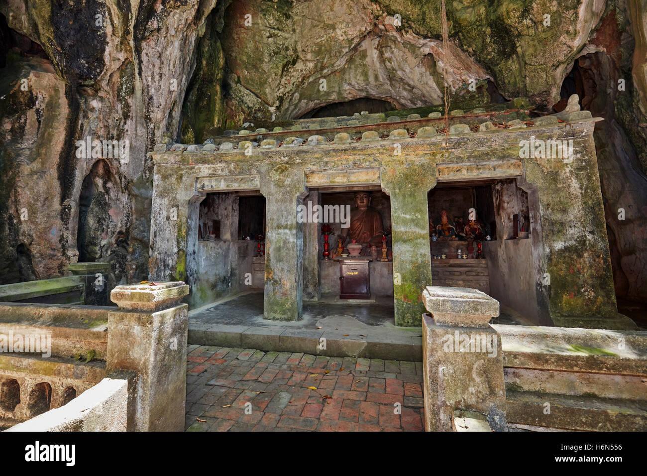 Tang Chon Cave. Thuy Son Mountain, The Marble Mountains, Da Nang, Vietnam. - Stock Image