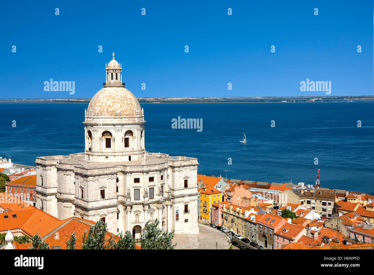 The Panteao Nacional and the rooftops of Alfama, Lisbon - Stock Image
