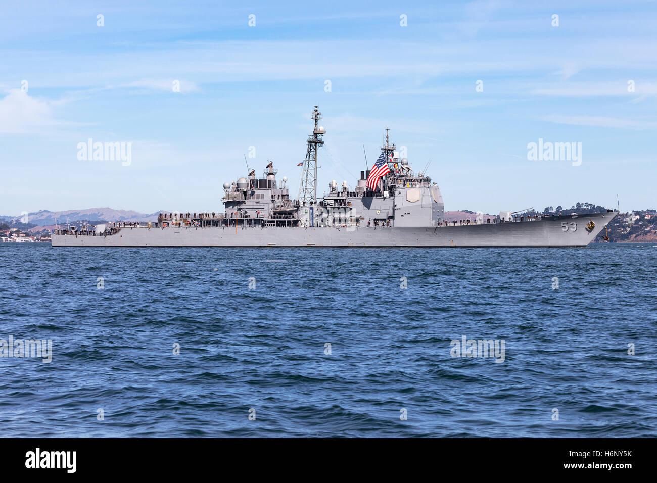 United States Navy Guided Missile Destroyer USS John Paul Jones (DDG-53) on San Francisco Bay Stock Photo
