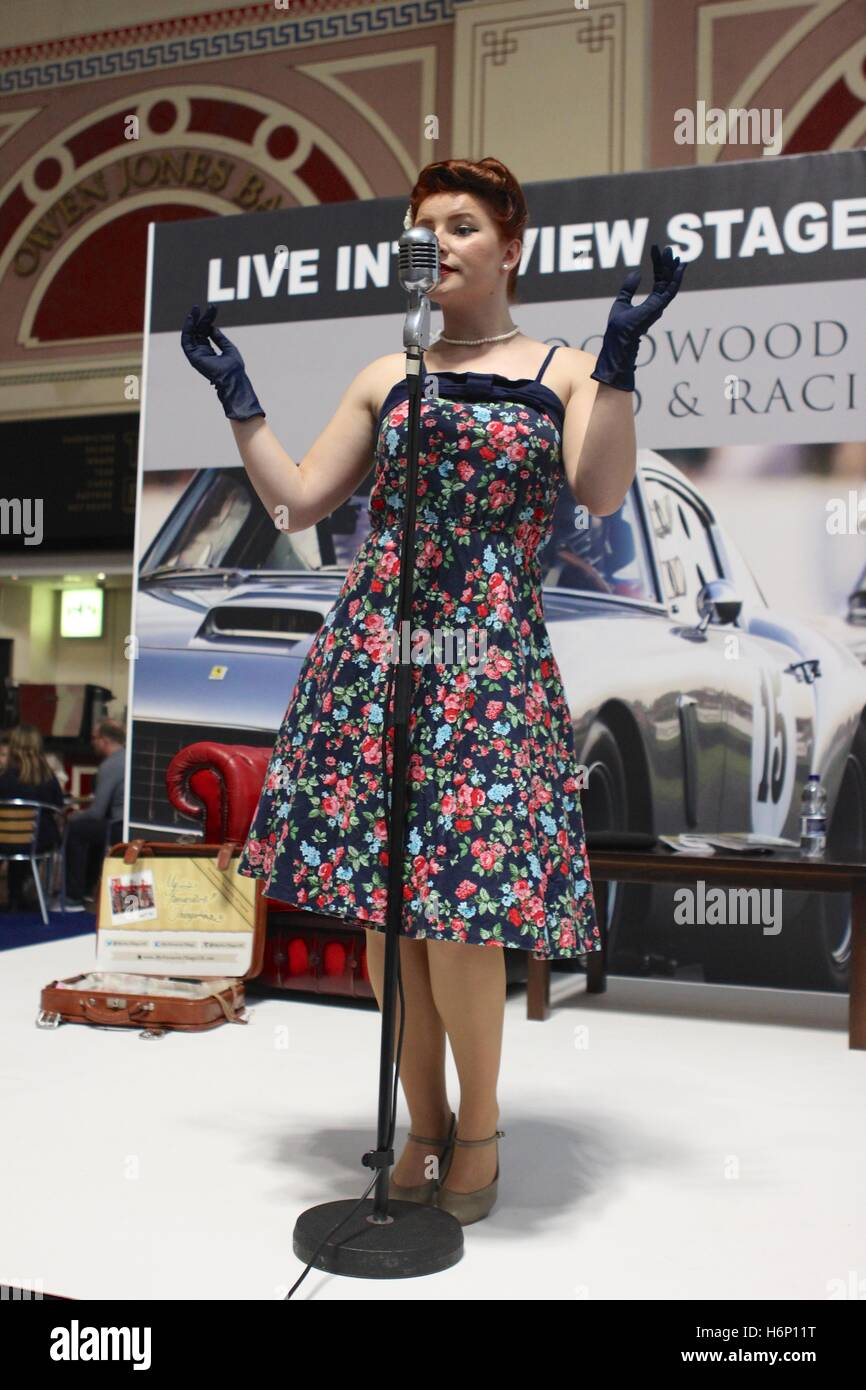 My Favourite Things performing an array of 1930s to 1950s songs and a combination of dance moves at The Classic - Stock Image