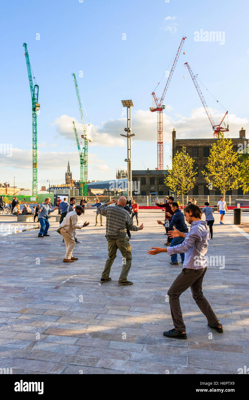 'Meltdown', a Dance Umbrella performance in Granary Square, King's Cross, London, UK, 2012 - Stock Image