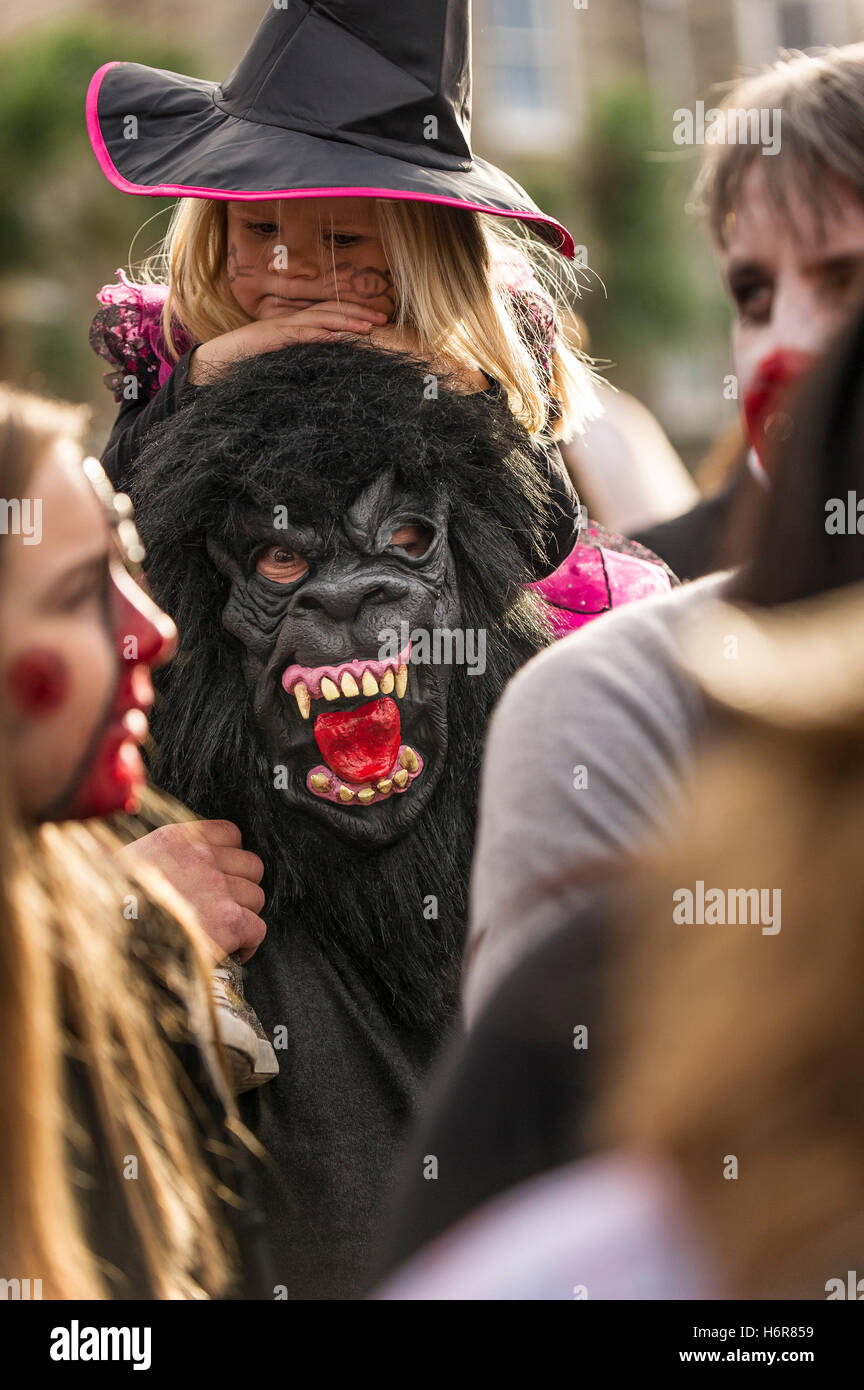 Families and children gather for the annual Zombie Crawl in Newquay, Cornwall. - Stock Image