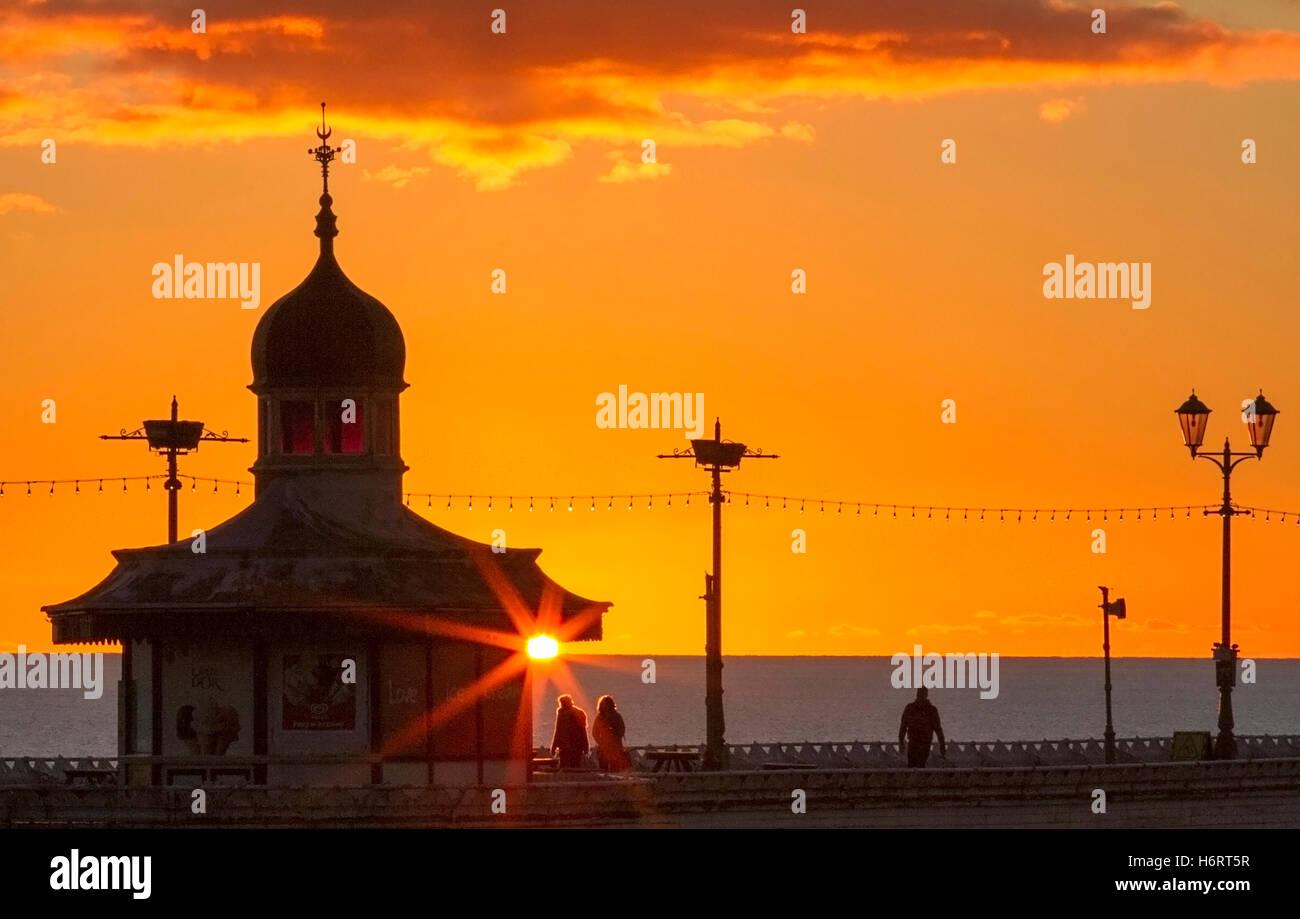 Blackpool, Lancashire, UK. 1st November, 2016. Sunset over Blackpool, Lancashire: UK Weather: 01/11/2016. After Stock Photo