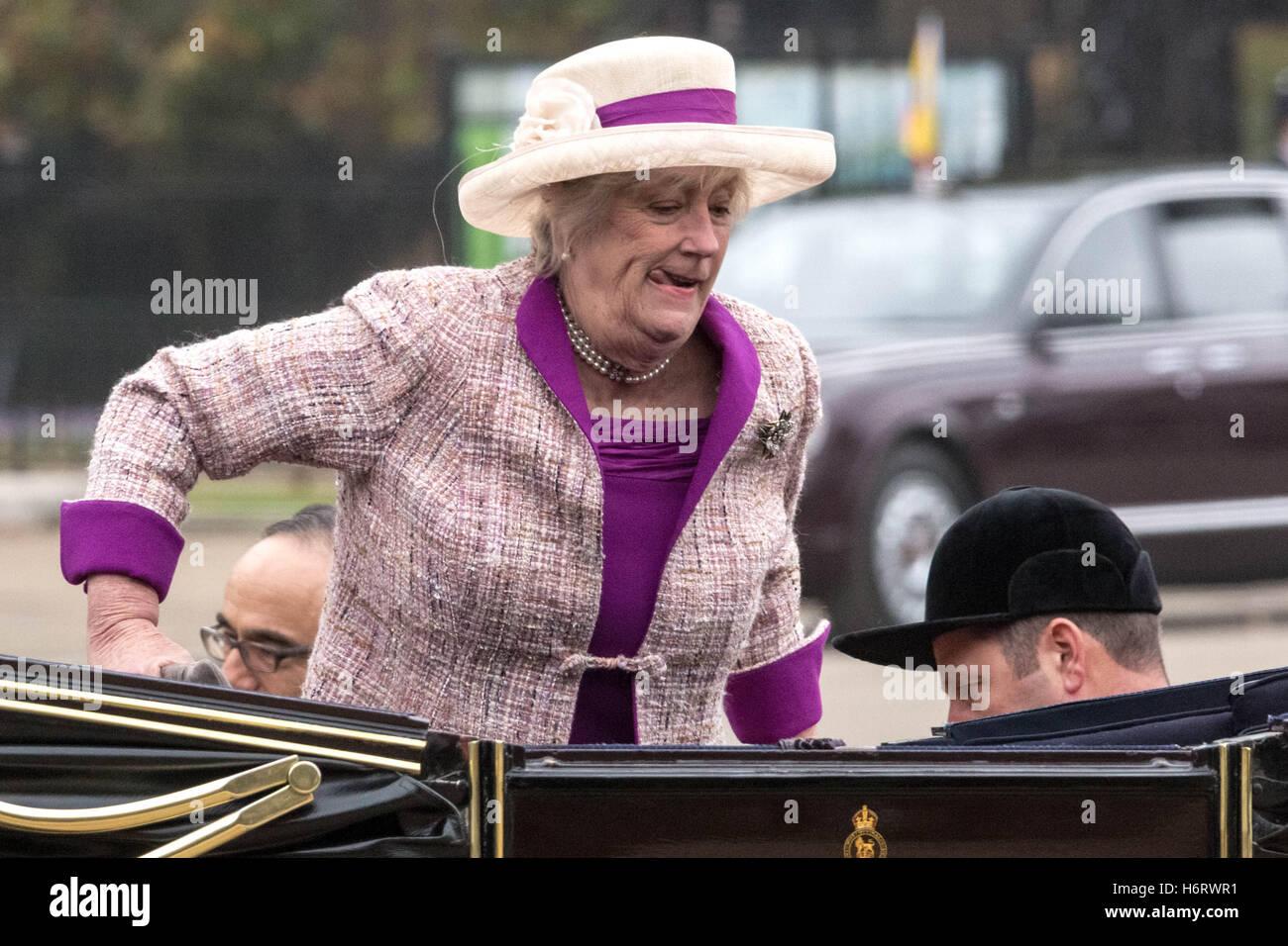 Virginia Ogilvy, Countess of Airlie