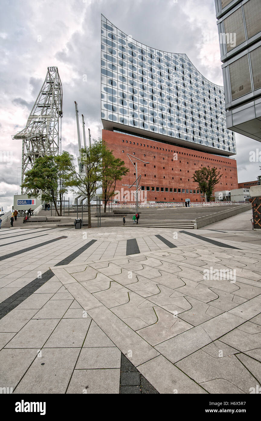 Elbphilharmonie concert hall in Hamburg´s HafenCity (Harbor City), planned and designed by Herzog & de - Stock Image