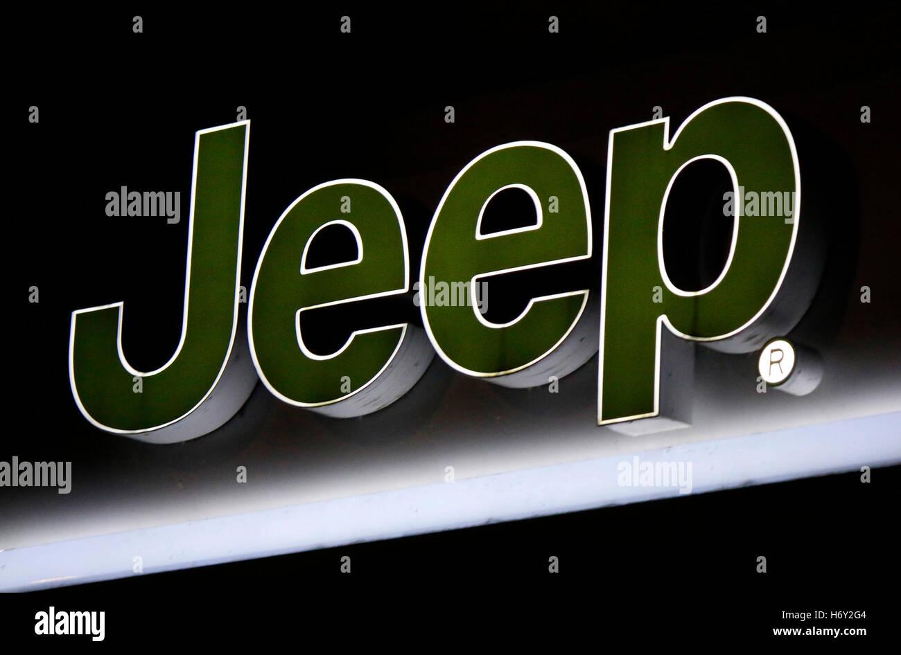 das Logo der Marke 'Jeep', Berlin. - Stock Image