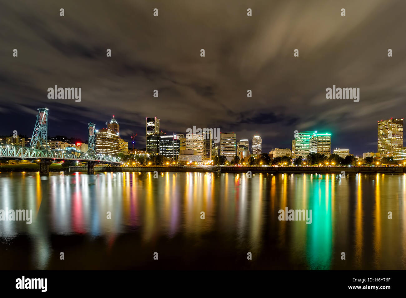 Portland Oregon downtown nightscape - Stock Image