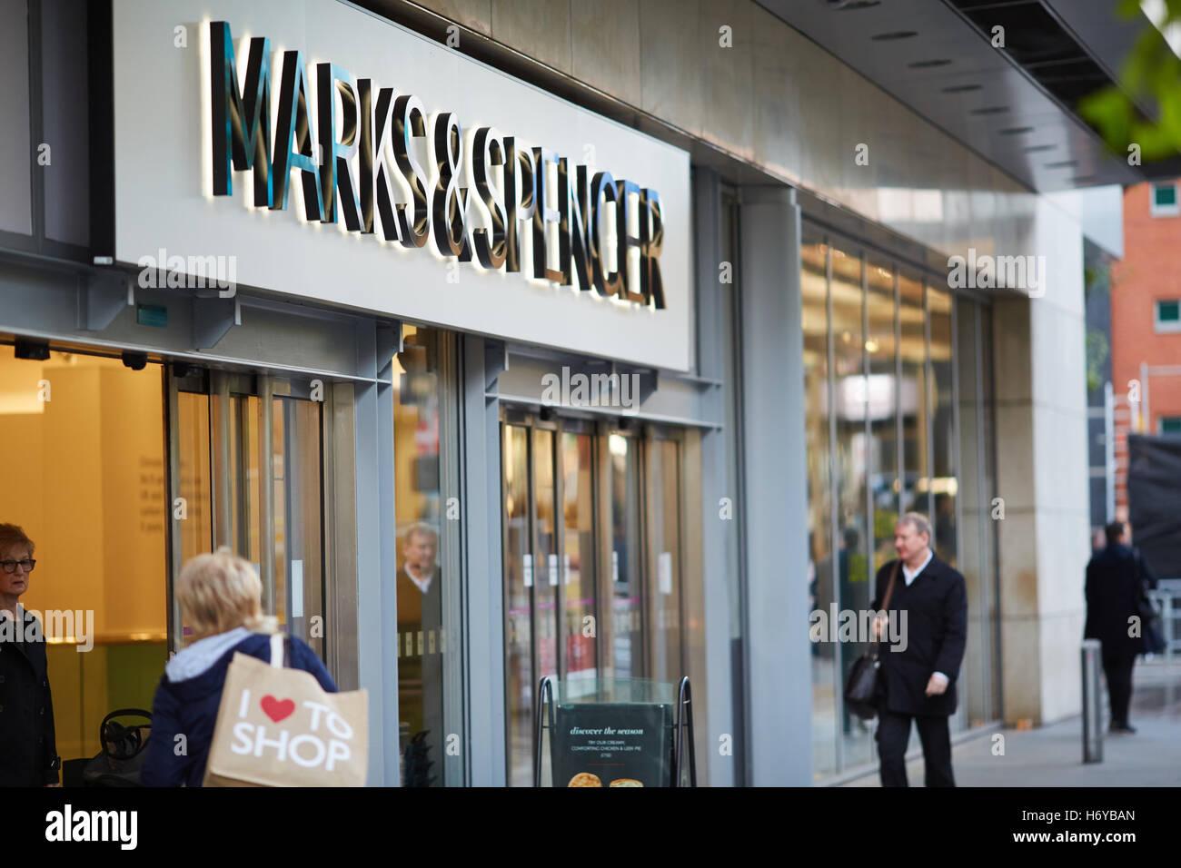 Manchester Marks and Spenser shop exterior   M&S entrance Market Street Shops shopping shopper store retail - Stock Image