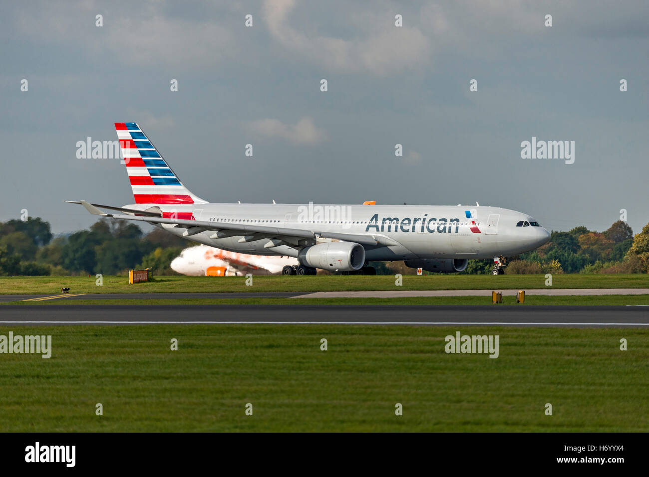 Airbus A330-243 American Airlines A332 N283AY Manchester Airport England. - Stock Image