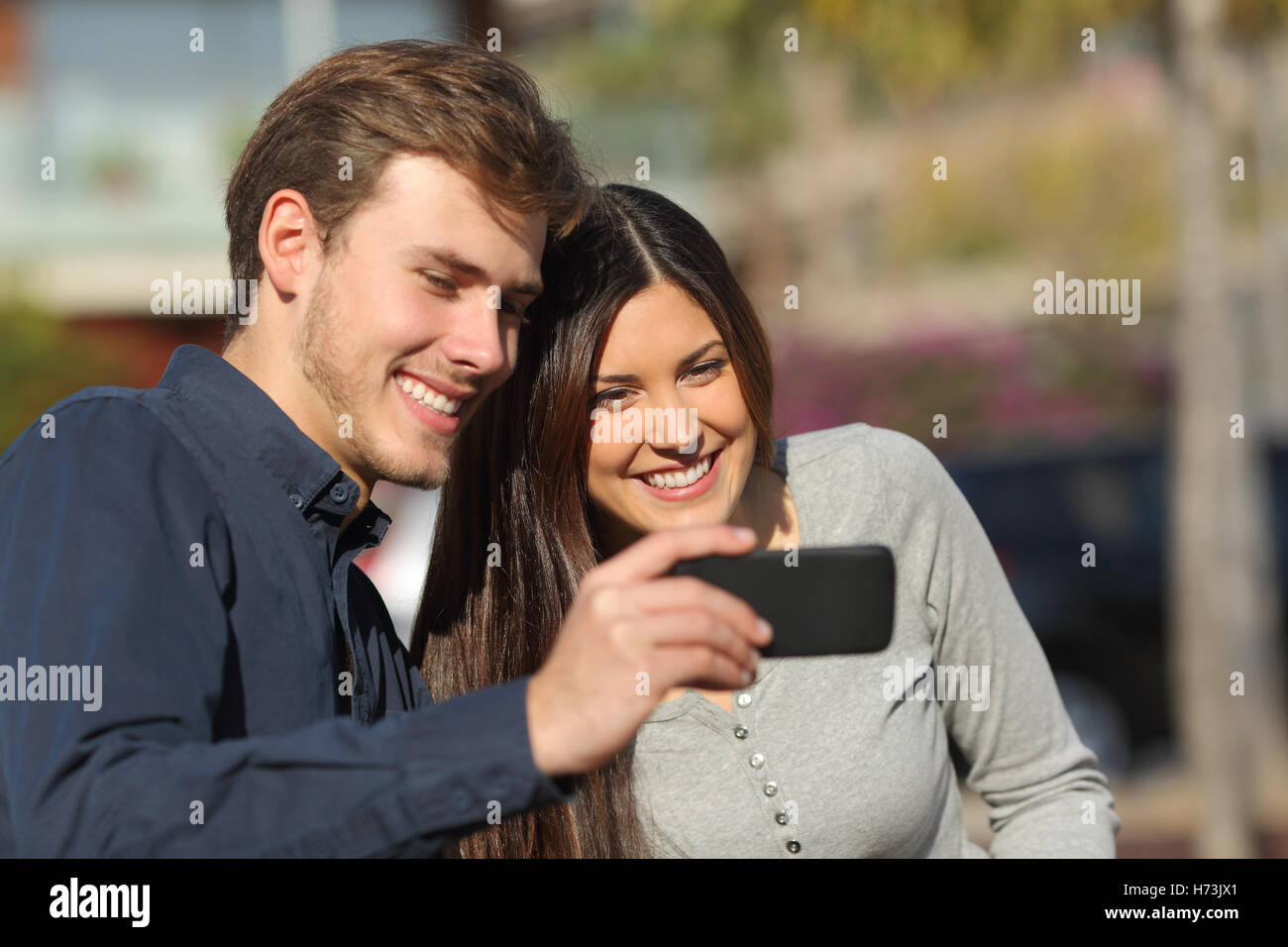whats your price dating app Tired of tinder seven free alternative dating apps social media  but with a sticker price of $1199 a month, tinderplus is definitely outside the budget of most of its users  but.