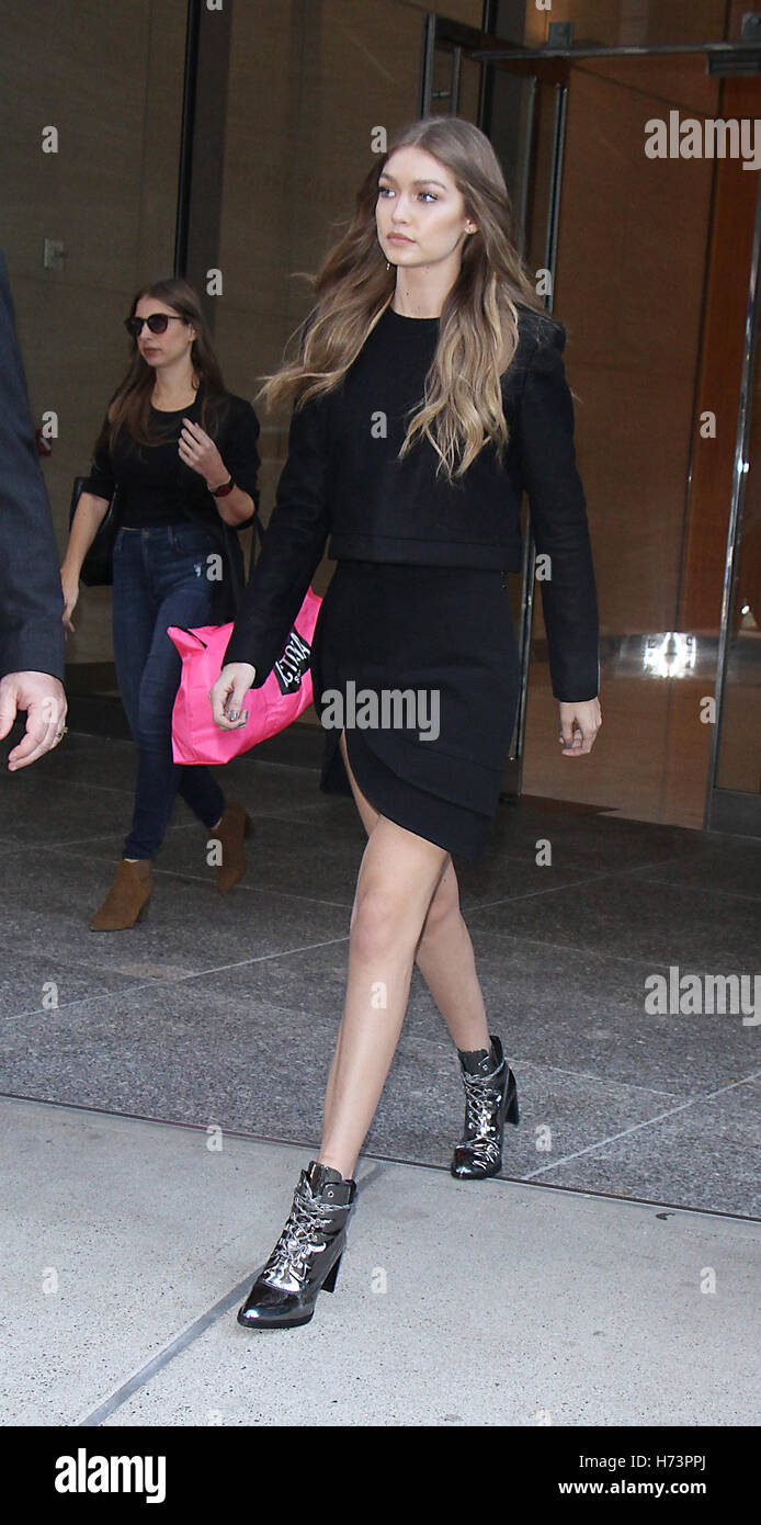 7ef136cc030 Gigi Hadid Stock Photos   Gigi Hadid Stock Images - Alamy