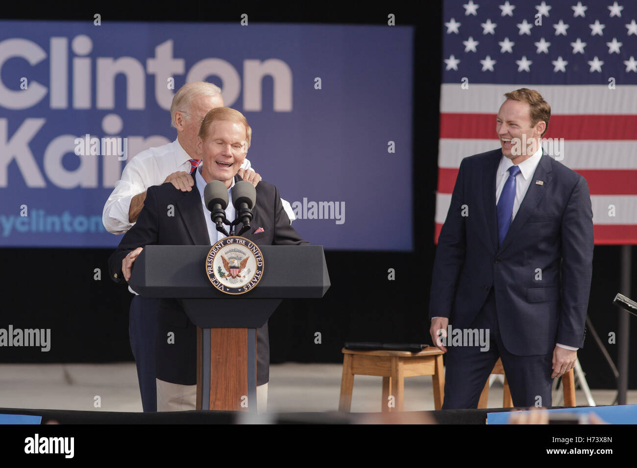 Palm Beach Gardens, USA. 02nd Nov, 2016. Senator Bill Nelson Getting A  Shoulder Massage From Vice President Joe Biden Before He Speaks To Hillary  Clinton ...