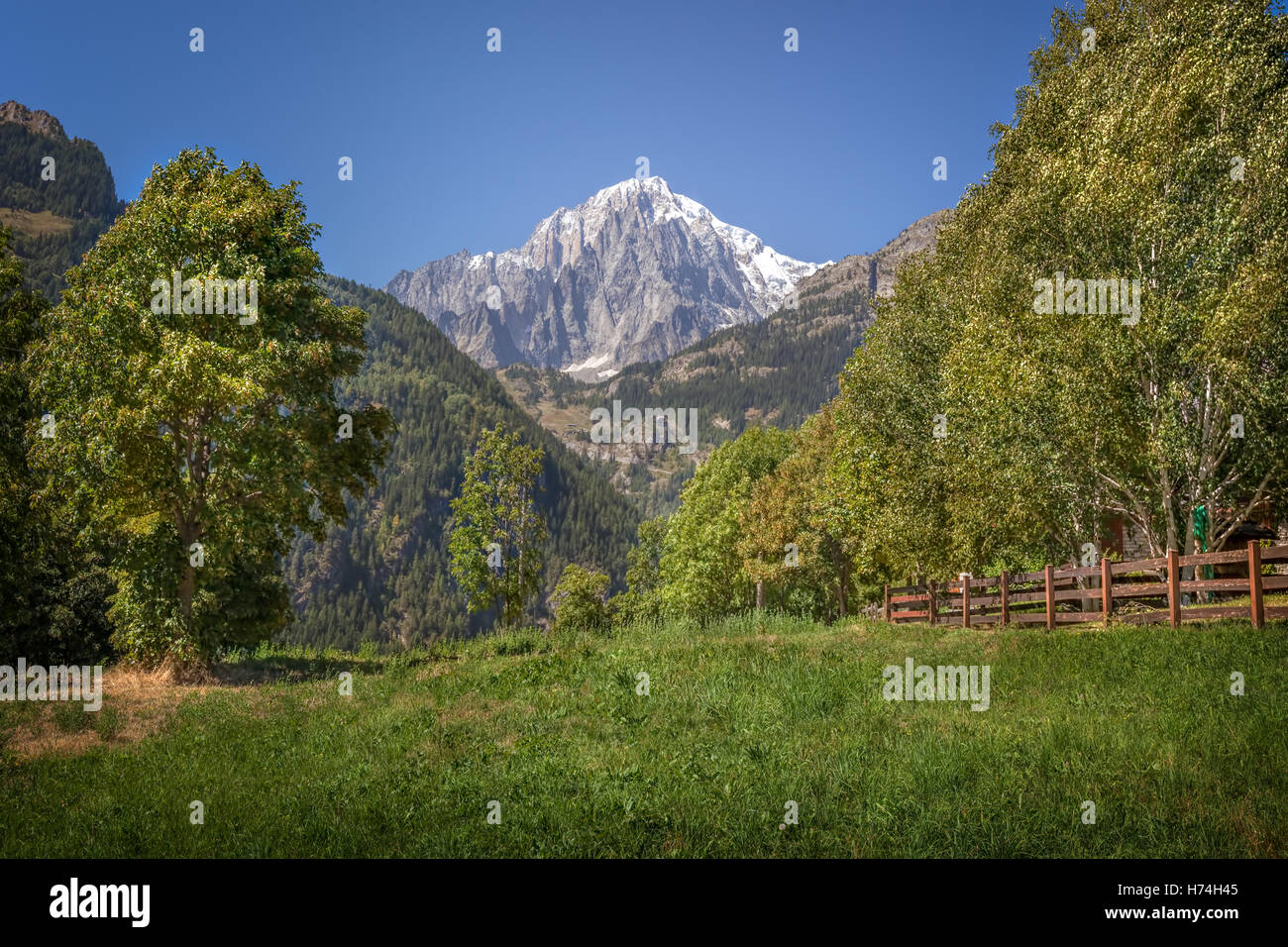 Monte Bianco or Mont Blanc: summit seen from Courmayeur,  Aosta Valley, Italian Alps - Stock Image