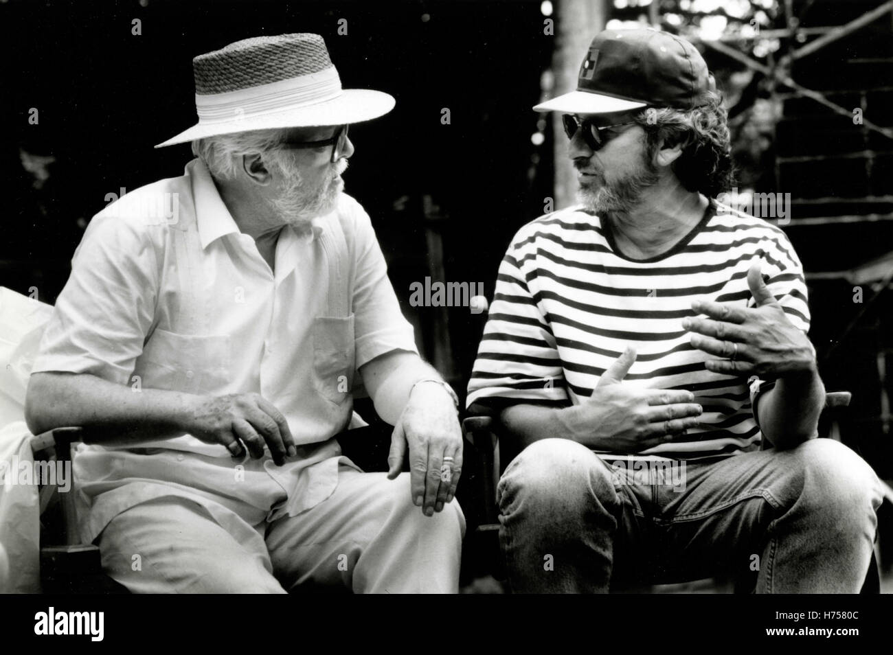 Steven Spielberg and Richard Attenborough on the set of Jurassic Park, USA 1993 - Stock Image