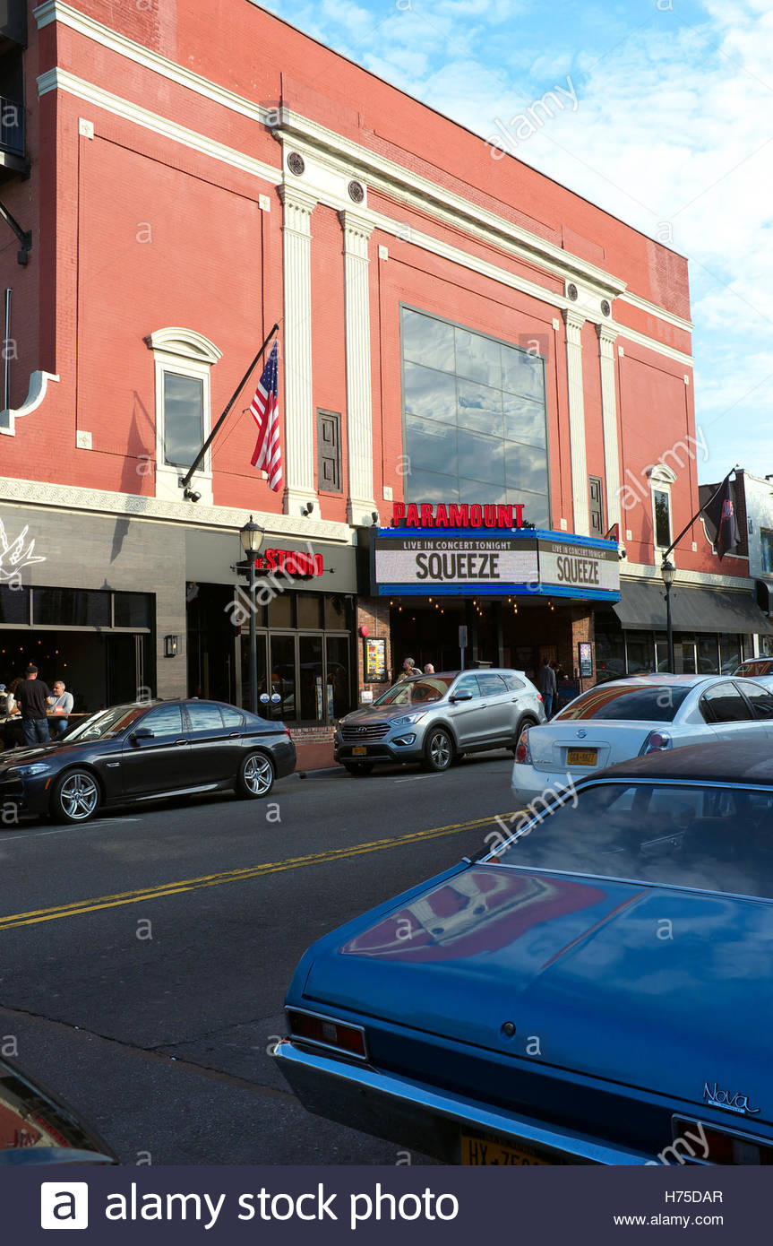 Exterior of The Paramount - a performance venue in Huntington, Suffolk County, New York State, USA. - Stock Image