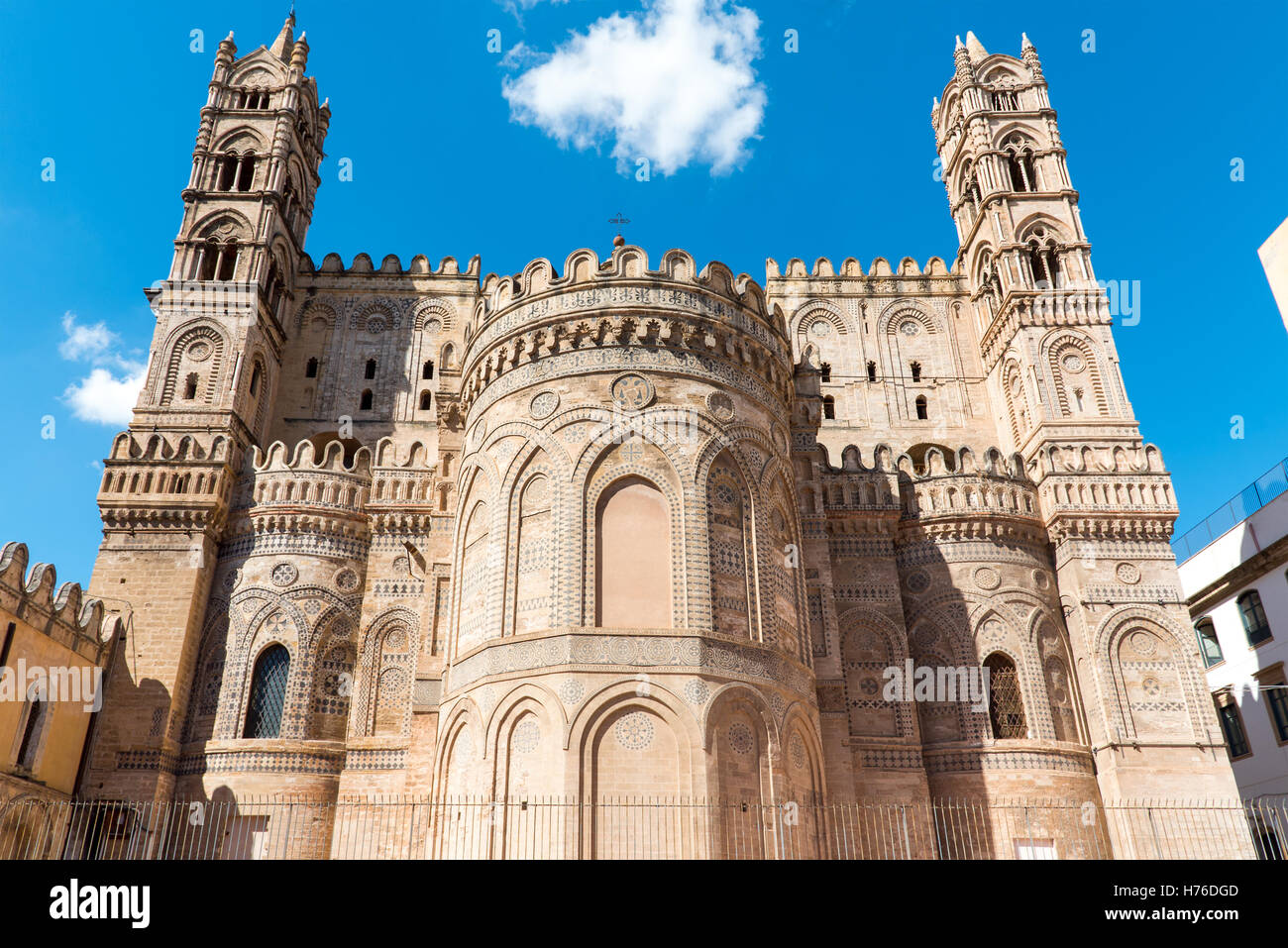Backside of the huge cathedral in Palermo, Sicily - Stock Image