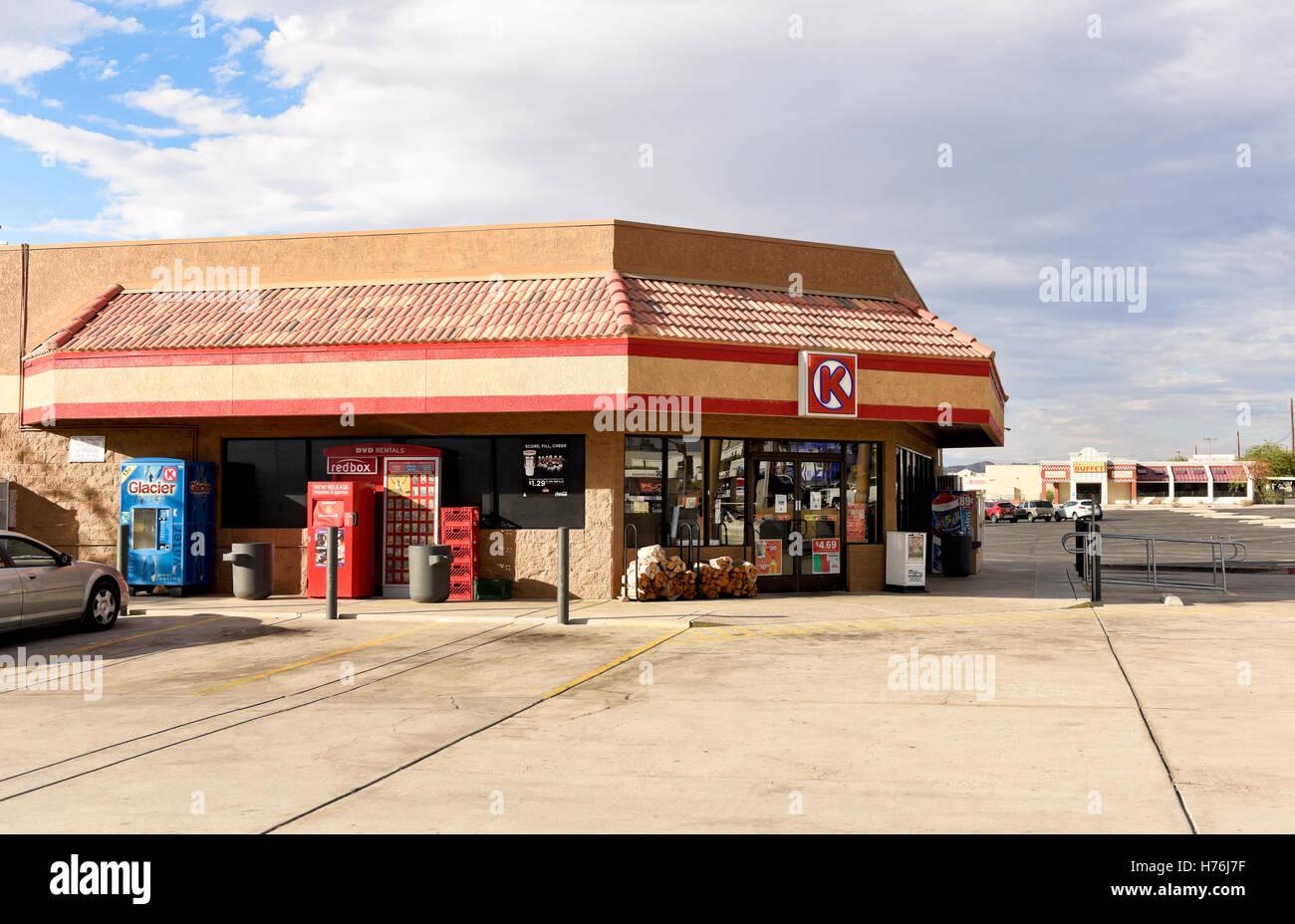 Convenience Store Exterior Usa Stock Photos & Convenience Store