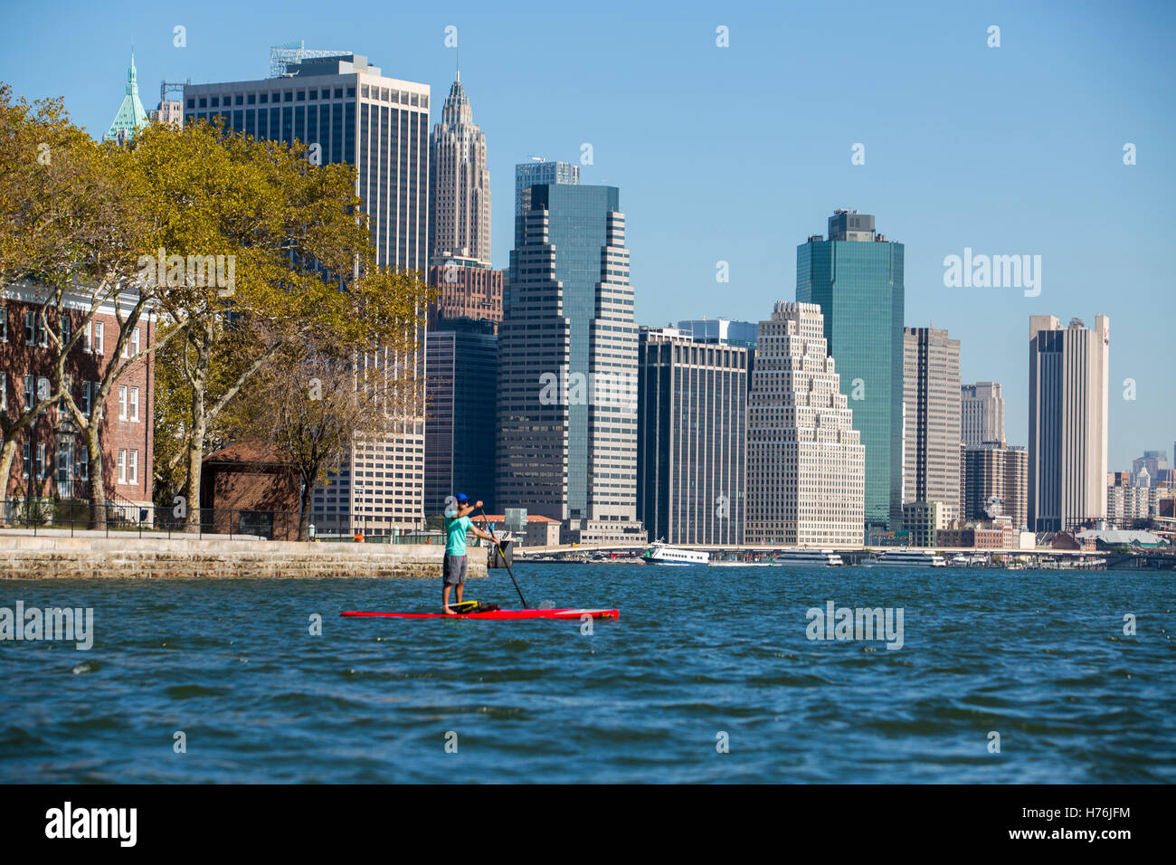 Paddling the five Boroughs of New York - Stock Image